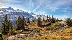 Wandern in Vals: Panoramaweg zum Zervreila-Stausee Therme Vals, Places In Switzerland, Swiss Travel, Swiss Alps, Trail, Wanderlust, Hiking, Mountains, Europe