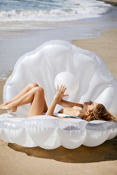Spring 2017 favorites: mermaid shell pool float - a must have accessory if you're planning a bachelorette party or headed to yacht week! Mermaid Shell, Mermaid Float, Mermaid Mermaid, Mermaid Gifts, My Pool, Pool Fun, Pool Toys, The Little Mermaid, Summer Fun