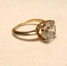 Vintage Size 6 Large Faux Diamond Gold Tone Ring