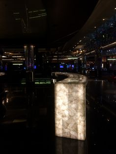 PHOTO5 * Illuminated onyx stone used for a bar. I like the look and the majestic and original effect