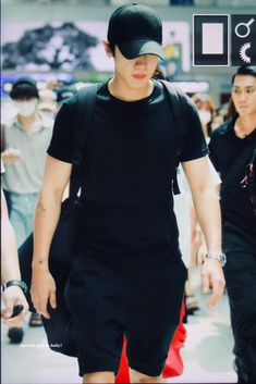 Park Chanyeol Exo, Kpop Exo, Luhan, Baekyeol, Chanbaek, Shirt Dress, T Shirt, Handsome, Sporty