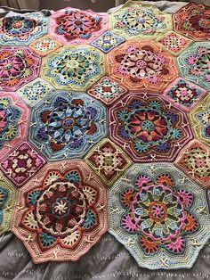 Crochet Granny Squares Design Persian Tile Blanket pattern by Jane Crowfoot Crochet Mandala Pattern, Crochet Quilt, Granny Square Crochet Pattern, Crochet Blocks, Crochet Blanket Patterns, Knit Or Crochet, Crochet Granny, Crochet Crafts, Crochet Projects