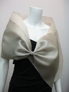 This satin organza evening wrap (Style HB) has a silk organza collar and is pleated into a bow fastened with rhinestones or beads. Bow Scarf, Scarf Dress, Dress With Shawl, Dress With Bow, Silk Organza, Chiffon, Modern Filipiniana Dress, Evening Shawls, Wedding Shawl