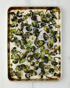 Cacio e Pepe Broccoli | Kitchn Best Side Dishes, Side Dish Recipes, Veggie Recipes, Low Carb Recipes, Vegetarian Recipes, Salad Recipes, Vegetable Dishes For Dinner, Vegetable Side Dishes, Feel Good Food