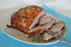 Friptura simpla din pulpa de porc. Muschi de porc la tava, cu crusta rumena si interior fraged si suculent. Friptura aceasta se gateste in cuptor si nu va da batai de cap. Noi o facem cu ceapa, usturoi si untura. O nebunie! Friptura buna din pulpa de porc sau muschi de porc (dupa cum o numesc