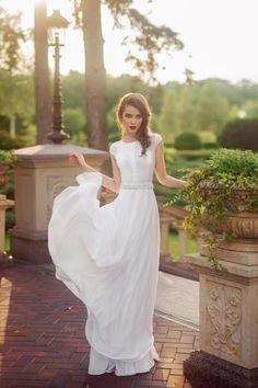 Свадебное платье «Дэнс» Ариамо Брайдал — купить в Москве платье Дэнс из коллекции 2017 года