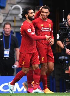 (4) - (@snappedlfc) / Twitter Liverpool Anfield, Salah Liverpool, Liverpool Players, Liverpool Football Club, Stamford Bridge Chelsea, Juergen Klopp, England National Team, Sports Mix, Soccer