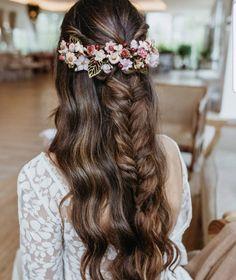 Cute Wedding Dress, Wedding Dresses, Aesthetic Design, Boho, Long Hair Styles, Beauty, Editorial, Hairstyles, Wedding Ideas