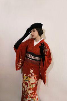 Rinka's little collections: Photo Japanese Costume, Japanese Kimono, Modern Kimono, Japanese Outfits, Kimono Dress, Yukata, Kimono Fashion, Asian Fashion, Kimonos