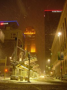 https://flic.kr/p/7ut16b   Winter Night, City Lights   The snowy, slushy, and sloppy scene on a winter night at Government Square in downtown Cincinnati.