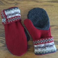 Warm woolen mittens from sweaters ❄️