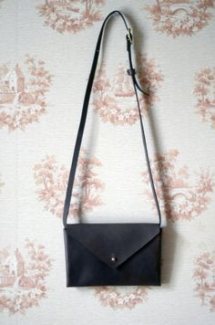 Small Leather Envelope Bag with Detachable Strap Envelope 6e9b0742b0750