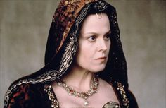 1492: Conquest of Paradise (1992) Sigourney Weaver as Queen Isabella