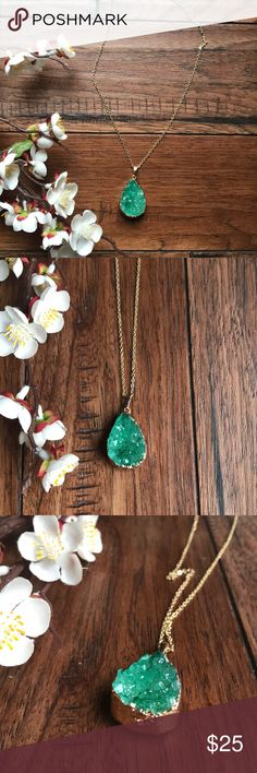 Emerald Green Druzy Necklace This foil wrapped faux druzy necklace is GORGEOUS! The green and gold is so beautiful together  Jewelry Necklaces
