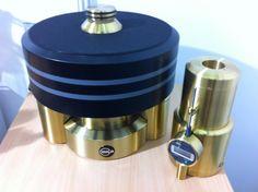 Kuzma Stabi XL - outstanding turntable from Slovenian manufacturer & audiophil Franc Kuzma