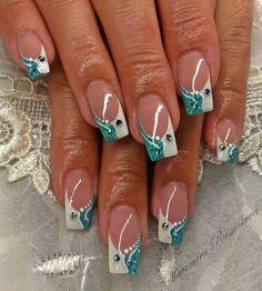 niedliche Art Design Nägel mit Strass Nail Art nail art with rhinestones French Nail Art, French Nail Designs, Pretty Nail Designs, French Tip Nails, French Manicures, Fancy Nails, Teal Nails, Trendy Nails, White Nails