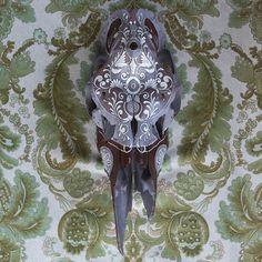 – Oskar – Moose Currently at Animal Art Styles, Paris Deer Skull Art, Deer Skulls, Cow Skull, Deer Antlers, Painted Animal Skulls, Hanna, Skull Crafts, Antler Art, Skull Painting