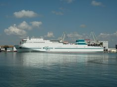 The blog lists most of the popular cruise ports situated in the United Kingdom. Read the blog before planning a cruise holiday.