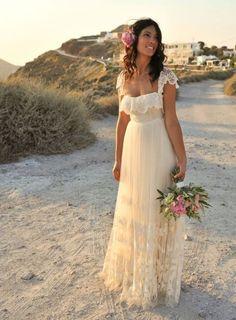 Pilihan Sepatu Cantik untuk Pernikahan Pantai