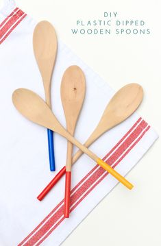 Add some grip to your wooden spoons with this plastic dipping tutorial. Only takes 15 minutes!