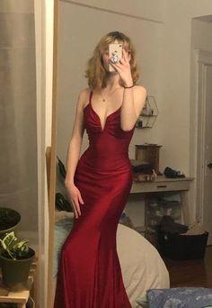 Pretty Prom Dresses, Grad Dresses, Ball Dresses, Elegant Dresses, Pretty Outfits, Cute Dresses, Beautiful Dresses, Ball Gowns, Evening Dresses