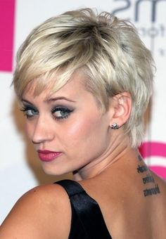 Short Haircuts for Women with Fine Hair top Short Hairstyles for Women Fine Hair Blondes Of 36 Brilliant Short Haircuts for Women with Fine Hair Thin Hair Cuts, Short Thin Hair, Short Hair With Bangs, Short Hair Cuts For Women, Short Pixie, Pixie Cuts, Thick Hair, Short Cuts, Straight Hair