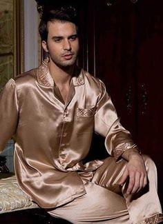 Mens Silk Pajamas, Satin Pajamas, Pyjamas, Pajama Party, Pajama Set, Men In Heels, Poses For Men, Men's Outfits, Fashion Outfits