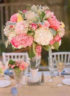 #centerpiece  Photography: Jill Thomas Photography - jillthomasphotography.com Floral Design: Twigg Botanicals - twiggbotanicals.com/ Planning + Event Design: Amorology Weddings - amorologyweddings.com/  Read More: http://www.stylemepretty.com/2011/12/08/temecula-wedding-by-jill-thomas-photography/