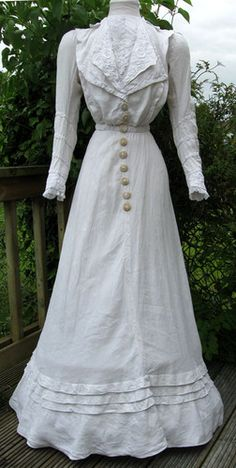 Antique Edwardian White Embroidered Linen & Lace Summer Dress Gown 1906-08 S/M