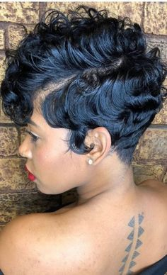 Braids with weave for black women healthy hair 30 Ideas Braids with weave for black women heal. Winter Hairstyles, Short Hairstyles For Women, Girl Hairstyles, Hairstyles 2018, Modern Hairstyles, Professional Hairstyles, Short Sassy Hair, Short Hair Cuts, Pixie Cuts