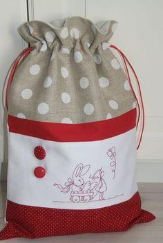 blog1 Drawstring Bag Pattern, Kids Purse, Burlap Bags, Yarn Bag, Fabric Gift Bags, Christmas Gift Bags, Knitted Bags, Zipper Bags, Handmade Bags