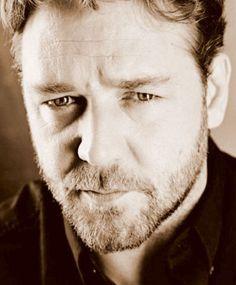 Russell Crowe. JAVERT!!!!!!!!!