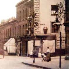 Barque St | Isle of Dogs Heritage & History Vintage London, Old London, East London, Irish Catholic, Isle Of Dogs, Old Pub, London History, London Pictures, Vintage Photographs