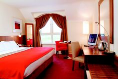Dublin Hotels is a guide to hotel accommodation in Dublin. This site offers great rates for some of the top hotels in Dublin. Red Bedroom Decor, Romantic Bedroom Decor, Bedroom Decor For Couples, Interior Rugs, Awesome Bedrooms, House Design, Furniture, Red Color, Home Decor