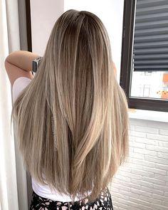 Blonde Hair Looks, Brown Blonde Hair, Brunette Hair, Hair Color Streaks, Hair Highlights, Blond Beige, Baliage Hair, Gorgeous Hair Color, Smooth Hair