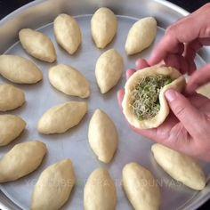 kadayıflı şekerpare @bera.tatlidunyasi 👏🏻👏🏻 👉🏻hamuru için 125 Gr oda sıcaklığın da margarin veya tereyağ 1 çay Bardağı pudra şekeri Yarım…