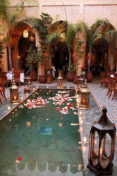 Pool Decor Ideas For Your Backyard Wedding ❤ See more: http://www.weddingforward.com/wedding-pool-party-decoration-ideas/ #weddingforward #bride #bridal #wedding