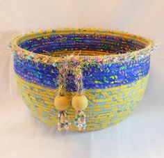 Spring Gems by BananaWindBasketWork on Etsy Rope Basket, Basket Weaving, Holiday Crochet Patterns, Rope Rug, Coil Pots, Fabric Bowls, Organize Fabric, Rope Crafts, African Mud Cloth