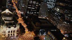 Rio de Janeiro - Manifestação conta o contra o aumento de tarifas de ônibus, no região central do Rio de Janeiro - Marcelo Sayão/EFE