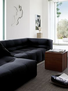 This couch looks so comfy!!!