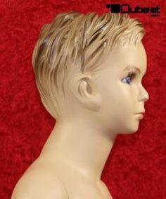 #modelliert #Gesicht #Haare #Schaufensterpuppe #Mannequin #Kind #Kinder #Junge #männlich