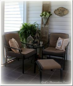 Convo corner and i love the use of the old shutter on this screened in porch Outdoor Rooms, Outdoor Chairs, Outdoor Living, Outdoor Furniture Sets, Outdoor Decor, Screened In Porch, Front Porch, Porch Decorating, Decorating Ideas
