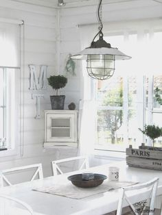 One day I'm going to live in a white clutter-free cosy wee house House Styles, Dining Nook, Cottage Living, White Cottage, White Decor, Country Cottage Kitchen, Cottage Decor, Scandinavian Style Interior, Modern Farmhouse Kitchens
