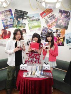 Twitter / sumire_princess: ニコニコ生放送特番「GARNETCROW ベストアルバム発売記念 藤田咲&佐藤すみれが想い出を語ってみた」終了しました!ありがとうございました!とーっても幸せな時間でした。解散しても、ずっとずっと大好きです。 https://twitter.com/sumire_princess/status/338346300670107648