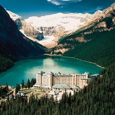 """475 Likes, 5 Comments - Impeccable Hotels (@impeccablehotels) on Instagram: """"#Fairmont#Chateau#LakeLouise#Hotel#Canada#impeccablehotels"""""""