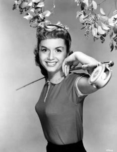 Classic Hollywood's Most Beautiful Actresses - Debbie Reynolds Old Hollywood Stars, Vintage Hollywood, Classic Hollywood, Old Hollywood Movies, Hollywood Glamour, Hollywood Actresses, Classic Actresses, Beautiful Actresses, Actors & Actresses