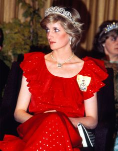 Princess Diana Inspiration Album Post with 2347 views. Princess Diana Wedding, Real Princess, Princess Of Wales, Diana Fashion, Lady Diana Spencer, Spencer Family, Glamour, Duke And Duchess, Beautiful Gowns