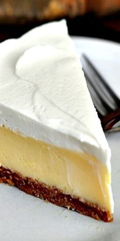 This luscious lemon cream pie is magnificent and glorious and refreshing and creamy and perfect.and, well, you should just make it! 13 Desserts, Lemon Desserts, Lemon Recipes, Baking Recipes, Delicious Desserts, Cake Recipes, Yummy Food, Sweet Recipes, Easy Pie Recipes