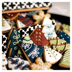 Nordic Christmas - by Daisy Loves Cake Christmas Biscuits, Christmas Sugar Cookies, Holiday Cookies, Holiday Treats, Christmas Treats, Holiday Recipes, Christmas Cookie Boxes, Royal Icing Cookies, Cupcake Cookies