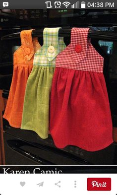 Oven Hand Towels - instructions from kleiosbelly. Dish Towel Crafts, Dish Towels, Hand Towels, Kitchen Towels Hanging, Hanging Towels, Sewing Hacks, Sewing Crafts, Towel Dress, Decorative Towels